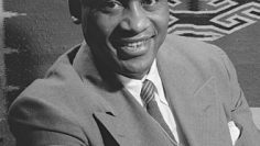 330px-Paul_Robeson_1942_crop